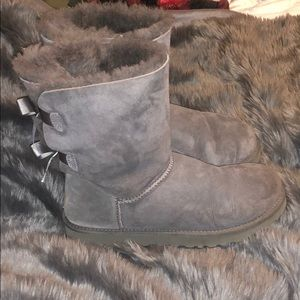 Bow tie short ugg boots